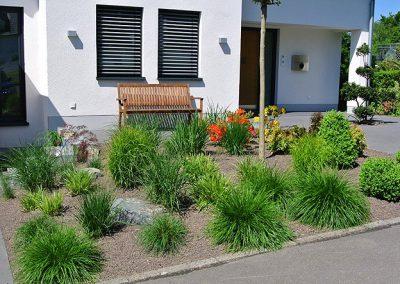 Bockheim Gartenbau - Pflanz- und Pflegearbeiten